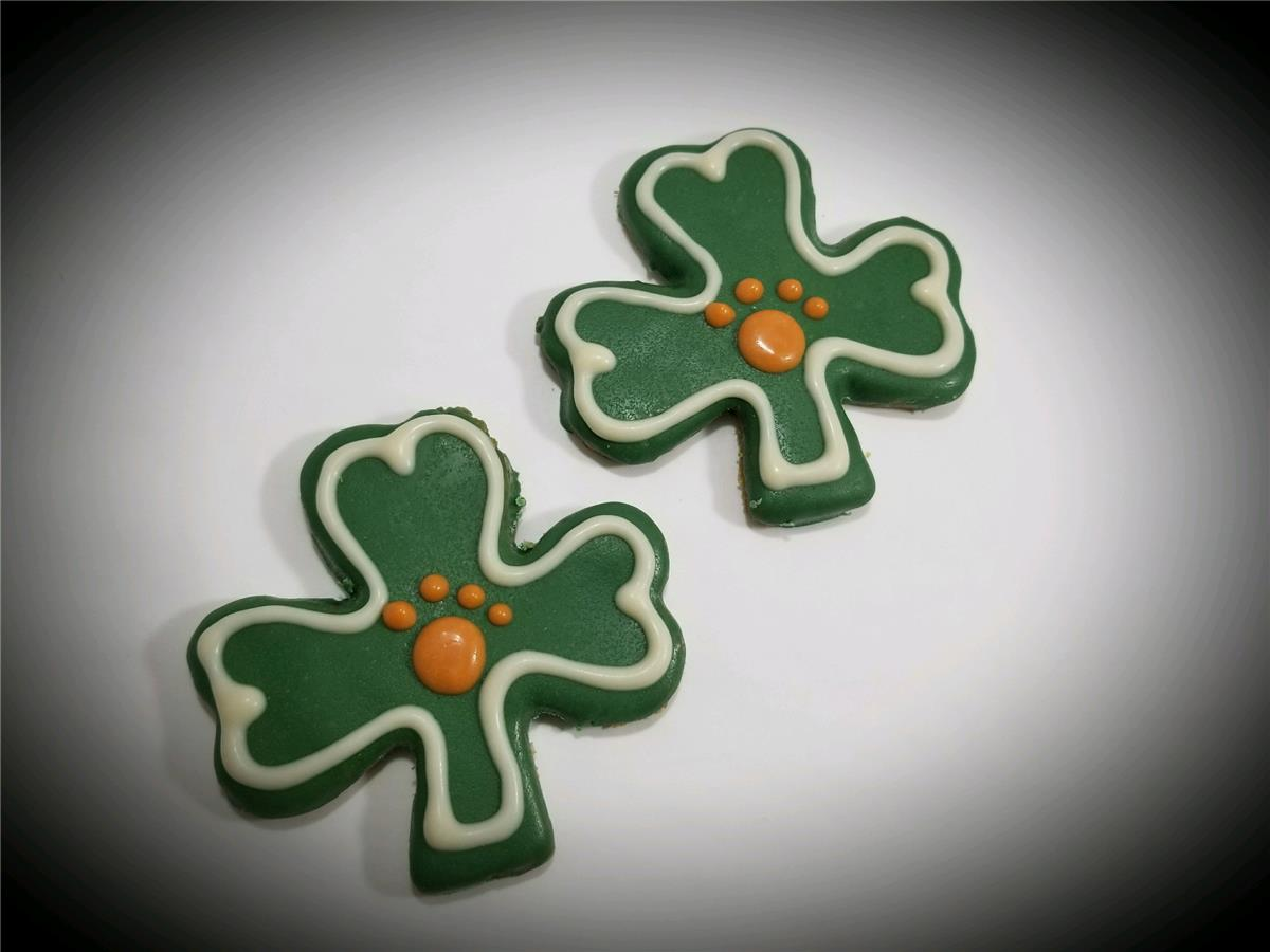 Shamrocks - Tray of 12